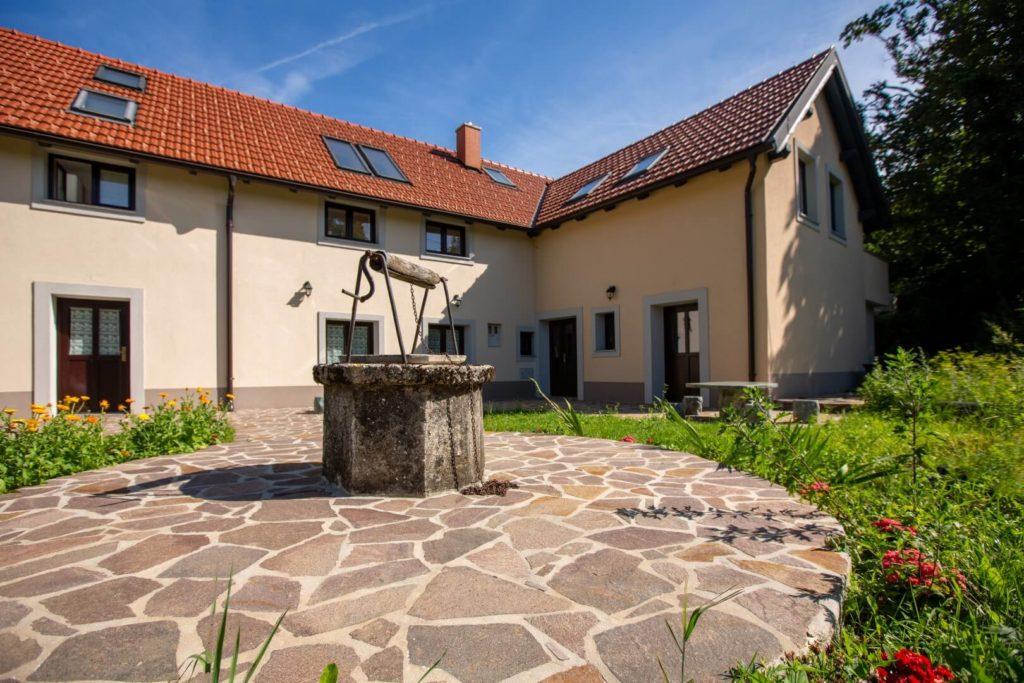 House archaic GORA-Gozd_21-23 (Large)