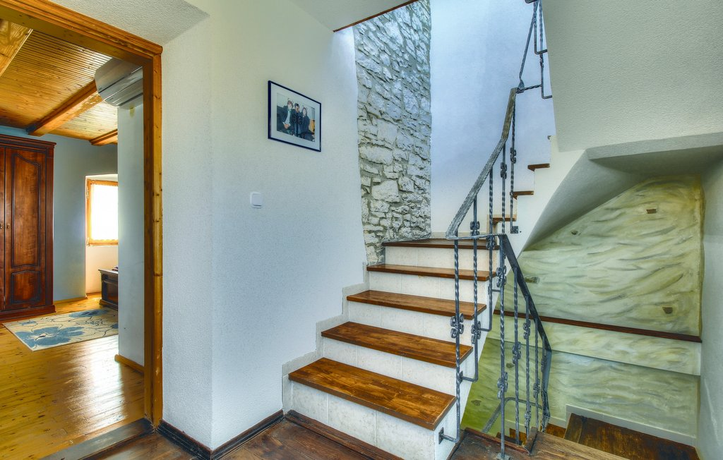 House seaside stonehouse ciu139_indoor_01