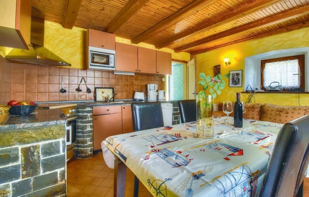 House seaside stonehouse ciu139_kitchen_02