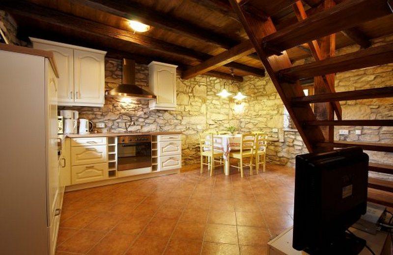 House villa seaside stonehouse pool CIL471_BB